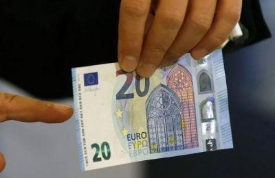 Κορωνοϊός: Μεταδίδεται με κέρματα και χαρτονομίσματα;
