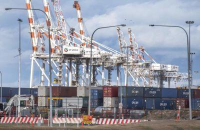 Σημάδια επιβράδυνσης στην Ευρωζώνη λόγω ελλείψεων στην εφοδιαστική αλυσίδα