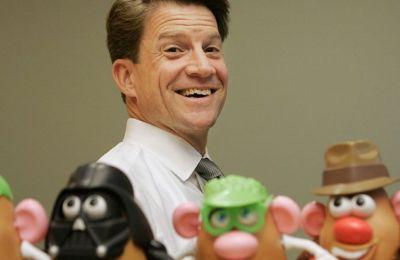 Πέθανε ο CEO της Hasbro