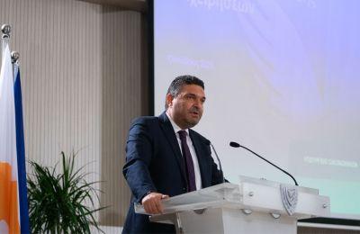 Με nomad visa και φοροαπαλλαγές ξένες επιχειρήσεις στην Κύπρο