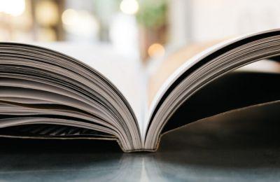 Το Κρατικό Βραβείο Ποίησης για εκδόσεις του έτους 2020, μετά από κατά πλειοψηφίαν απόφαση της Κριτικής Επιτροπής, απονέμεται στον Ρήσο Χαρίση για το έργο του Θάλασσα εσωτερικού χώρου (εκδόσεις Κίχλη)