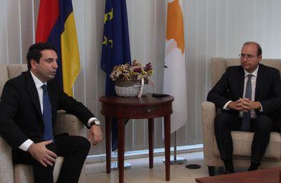 ΥΠΑΜ: Επιδιώκουμε ενίσχυση διμερούς αμυντικής συνεργασίας με Αρμενία